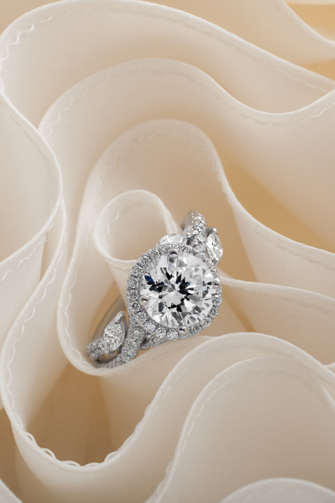 Lhuillier_rings_romantic1-0